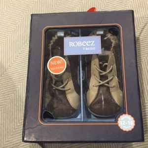 Robeez 12-16 month shoes